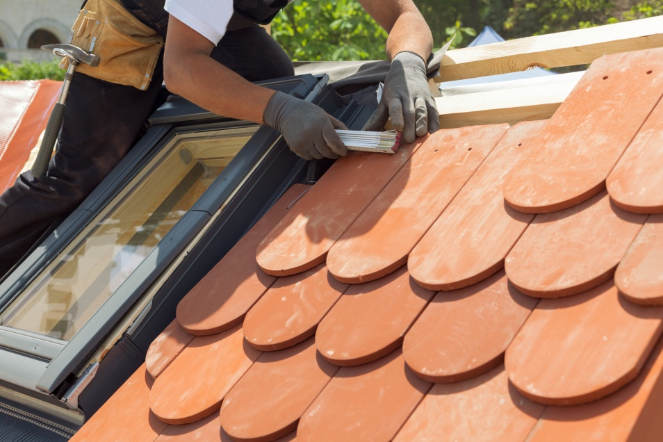Things to Consider When Selecting a Roofing Contractor